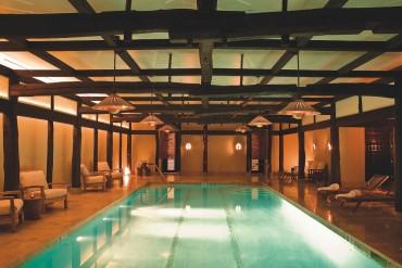 La structure du spa,piscine comprise,provient d'une ferme japonaise du XVIIIè siècle