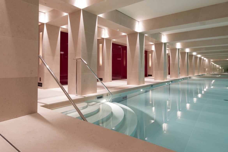 La-Reserve-Paris-Hotel-pool-2