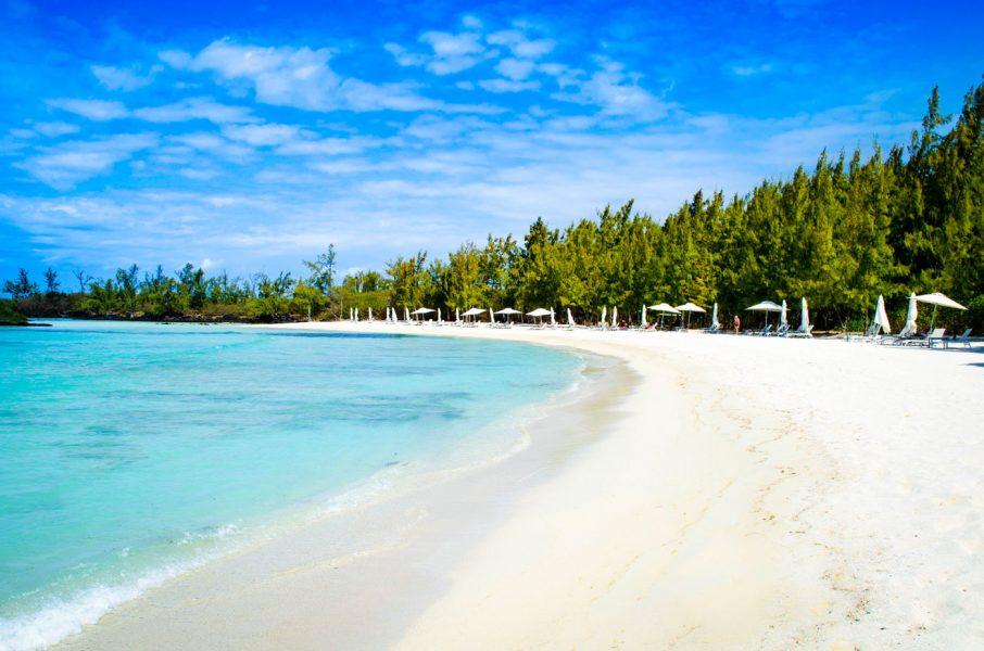 anahita-exclusive-beach-ileauxcerfs