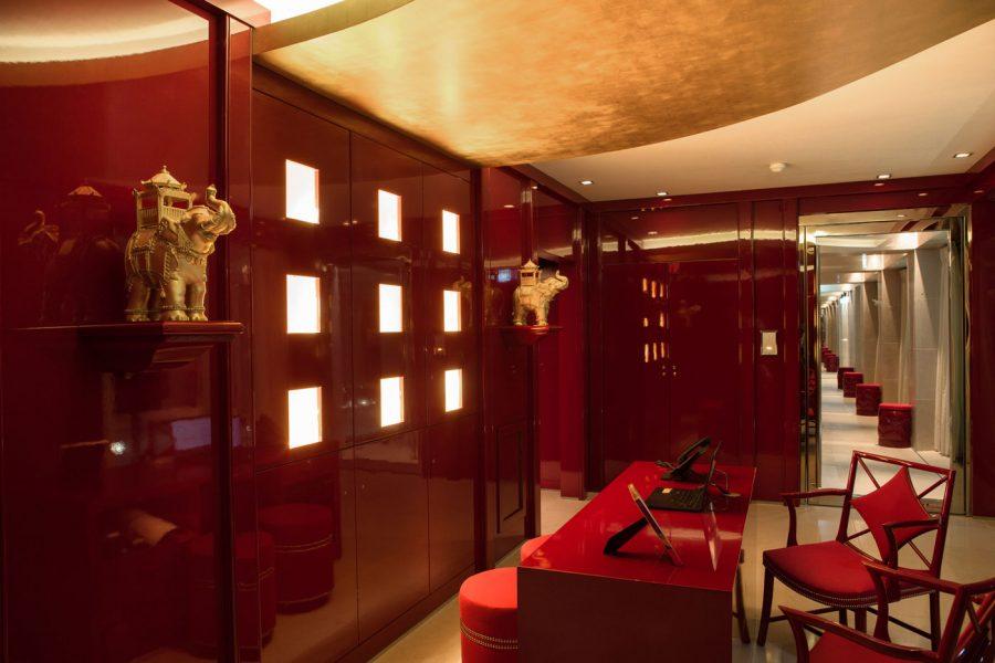 La-Reserve-Paris-Spa-Welcome-desk
