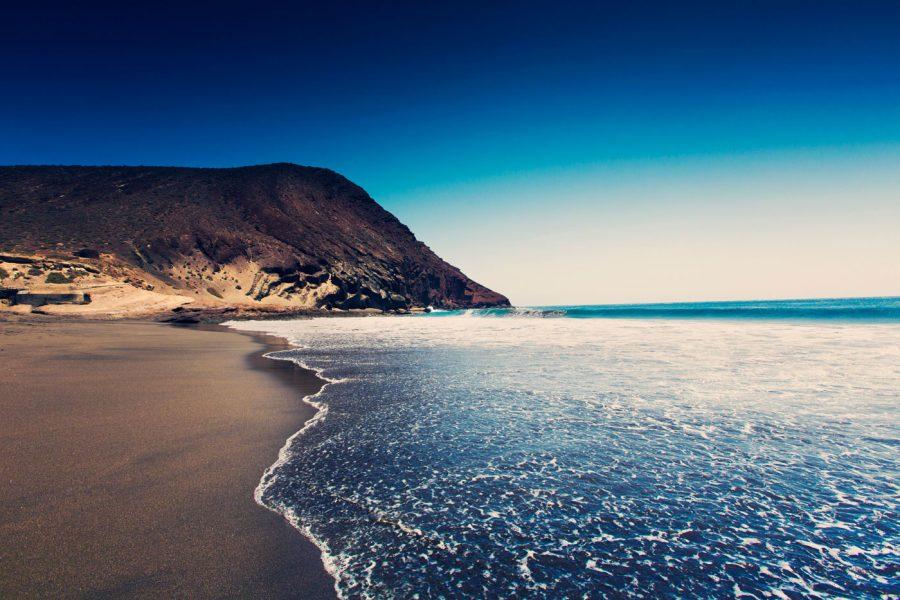 plyazh-tehita-krasnaya-gora-medano-enjoy-Tenerife-Kanarskie-ostrova